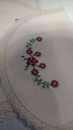 Flower Embroidery Designs, Cross Stitch Borders, Bargello, Elsa, Diy And Crafts, Crochet, Pattern, Stitch Patterns, Cross Stitch Patterns