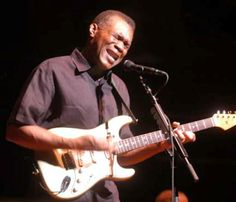 robert cray... voice of an angel, guitar of the devil.