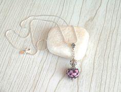 Collier chaine argent 925 (60cm) avec perle de verre filé au chalumeau violet-rose : Collier par auverredoz