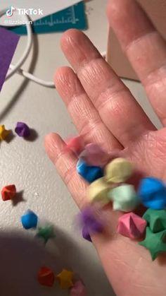 Diy Crafts For Teens, Diy Crafts To Do, Diy Crafts Hacks, Cool Paper Crafts, Paper Crafts Origami, Diy Art, Diy Gifts, Origami Stars, Drawings