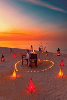 En necocli Romantic Room, Romantic Beach, Romantic Places, Beautiful Places, Romantic Date Night Ideas, Romantic Surprise, Dream Dates, Cute Date Ideas, Romantic Picnics
