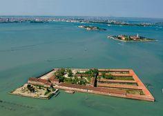 Lazzaretto Vecchio, Isola della Laguna di Venezia