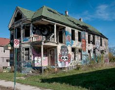 Abandoned Places: 20 Eerily Beautiful Photographs of Urban Decay in Detroit's Crumbling Ghost Neighbourhoods