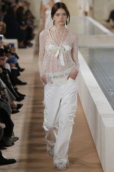 Balenciaga Spring 2016 Ready-to-Wear Fashion Show - Stella Lucia