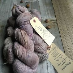 Viola in Speckled Mist Diy Projects To Try, Crochet Projects, Lace Knitting, Knit Crochet, Yarn Brands, Different Textures, Hand Dyed Yarn, Knitted Shawls, Needles Sizes