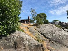På Tingsaker Familiecamping er du midt på Sørlandet, med 5 minutters gange til Lillesand by, og kun 15 minutter kjøring til Dyreparken. Country Roads, Camping, Beach, Photo Illustration, Campsite, The Beach, Beaches, Outdoor Camping, Rv Camping