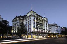Set in the heart of Zurich on Paradeplatz, Savoy Baur en Ville offers refined furnishings and 2 restaurants. Mandarin Oriental, Once In A Lifetime, Beautiful Places To Visit, Zurich, Switzerland, Street View, Credit Suisse, Oriental Hotel, City