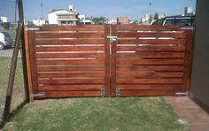 Wooden Gate Designs, Wood Fence Design, Front Gate Design, House Gate Design, Metal Driveway Gates, Timber Gates, Wooden Gates, Farm Gate, Fence Gate