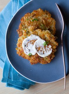 Cheesy Quinoa Cakes with a Roasted Garlic and Lemon Aioli-appetizers