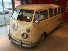 VW - Combi T1 15 windows - 1975  http://www.catawiki.com/r/scottkergan