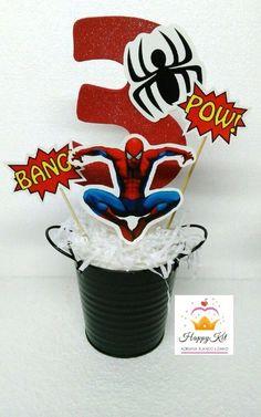 arreglos de mesa de spiderman economicos Avengers Birthday Cakes, Batman Birthday, Superhero Birthday Party, Third Birthday, 3rd Birthday Parties, Boy Birthday, Spider Man Party, Spiderman Cake Topper, Captain America Party