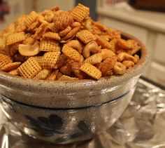 This Chex Mix recipe is made with cereal, nuts, pretzels, and all that spice! A little bit sweet and little bit spicy. This Party Mix is so addicting. Yummy Snacks, Healthy Dinner Recipes, Appetizer Recipes, Snack Recipes, Cooking Recipes, Yummy Food, Appetizers, Fun Food, Easy Recipes