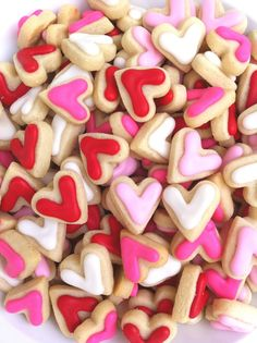 Mini Heart Cookies for valentines day coffee dunking Valentines Day Treats, Valentine Cookies, Valentine Day Love, Holiday Treats, Holiday Fun, Valentine Recipes, Mini Cookies, Heart Cookies, Sugar Cookies