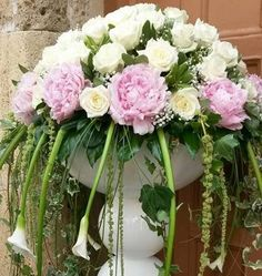 Addobbi floreali in rosa per il tuo matrimonio http://www.nozzemeravigliose.it/matrimonio/addobbi-floreali/caserta/orchidea-blu/363