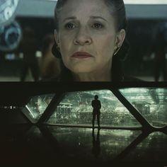 Você vê mais uma cena de Star Wars The Last Jedi. Eu vejo o quanto chorarei no cinema em dezembro.