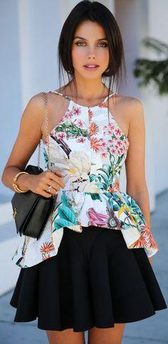 Spring mini skirts for women Moda Fashion, Womens Fashion, Ladies Fashion, Look Girl, Moda Chic, Floral Fashion, Facon, Looks Style, Feminine Style