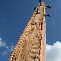 produktewerkstatt ruedi humbel produziert nachhaltige Produkte meist aus Altholz und Recyclingstahl Recycling, Utility Pole, Home, Old Wood, Sustainability, Steel, Ad Home, Homes, Repurpose