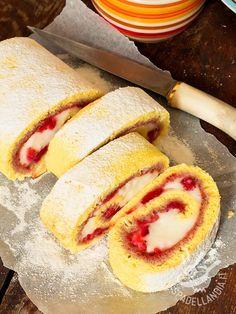 Il Rotolo alla crema e marmellata di lamponi è una vera e propria delizia arrotolata, gustosissima e semplice. Piacerà a tutti: provare per credere!
