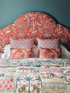 Textile Tuesday: Kashmir Garden by Jane Churchill - The English Room Guest Bedrooms, Master Bedroom, Bedroom Furniture, Bedroom Decor, Furniture Design, Interior Design Inspiration, Soft Furnishings, Upholstery, Decoration