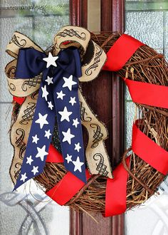 DIY Patriotic Wreath-Perfect for Memorial Day and July - Positively Splendid {Crafts, Sewing, Recipes and Home Decor} Patriotic Crafts, Patriotic Wreath, July Crafts, 4th Of July Wreath, Patriotic Party, Summer Crafts, Wreath Crafts, Diy Wreath, Wreath Ideas