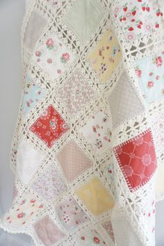 Crochet And Fabric High Tea Crochet Quilt Tutorial Quilting In The Rain # Crochet Fabric, Crochet Motifs, Crochet Quilt, Crochet Squares, Crochet Home, Crochet Crafts, Crochet Stitches, Crochet Projects, Sewing Crafts