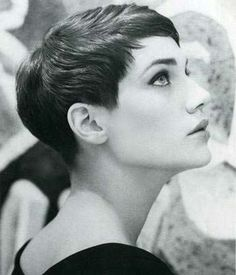 Cool Short Brunette Retro Hairstyle