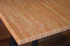 Furniture grade plywood - The construction of plywood furniture can avoid the swelling and shrinking problems Plywood Edge, Plywood Table, Slab Table, Dining Table, Furniture Grade Plywood, Plywood Projects, Diy Projects, Plywood Countertop, Diy Countertops