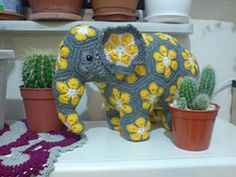 New crochet amigurumi elephant african flowers ideas Unique Crochet, Cute Crochet, Crochet For Kids, Crochet Baby, Crochet Food, African Flower Crochet Animals, Knitted Animals, Crochet Flowers, Crochet Elephant Pattern