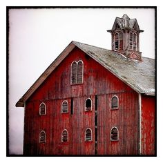 barn love / Barn, Wood Cty, Ohio. ❤ liked on Polyvore featuring backgrounds, barns, buildings, farm and pictures