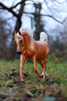 This photo puts a smile on my face. Didn't we all start with a toy horse figure?