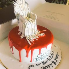 And this iron throne is mine by right😬 #GOT #cersei👸 Thankyou guys fr this beautiful gesture #truefans #gratitude #emotions #happy8yearstome