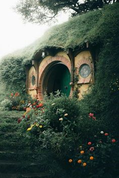 Tumblr is a place to express yourself, discover yourself, and bond over the stuff you love. It's where your interests connect you with your people. Hobbit Hole, The Hobbit, Michael J, Cottage Living, New Instagram, Most Visited, Countries Of The World, Middle Earth, Travel Pictures