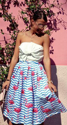 What's more fun than flamingo dancing atop stripes? Flamboyantly Flamingo Printed Midi Skirt featured by Cristinasurdu Blog Unique Fashion, Vintage Fashion, Skirt Outfits, Dress Skirt, Midi Skirt, Spring Summer Fashion, Spring Outfits, Mode Unique, Vintage Mode
