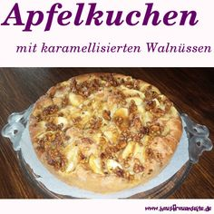 Apfelkuchen mit karamellisierten Walnüssen Apple pie with caramelized walnuts – Recipe refined apple-walnut cake, which is delicious with cinnamon, vanilla and honey vegetarian Caramelized Walnuts, Camembert Cheese, Macaroni And Cheese, Deserts, Food Porn, Food And Drink, Favorite Recipes, Sweets, Super