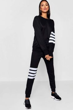 9f7a305c70af Get both with boohoo's range of women's tracksuits and sweats, with  everything from retro two pieces to cropped joggers.