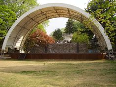 Outdoor performance stage