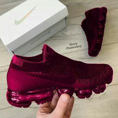 Nike Vapor Maxx - Sneakers Nike - Ideas of Sneakers Nike - Nike Vapor Maxx Moda Sneakers, Cute Sneakers, All Black Sneakers, Sneakers Nike, Casual Sneakers, Black Shoes, Tenis Nike Air, Nike Air Shoes, Nike Shoes Outlet