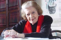 """Prestes a completar 90 anos no próximo dia 19/4, Lygia Fagundes Telles, uma das maiores escritoras do Brasil, disse o que pensa sobreDaniela Mercury assumir sua bissexualidade. """"Sou super a favor ..."""