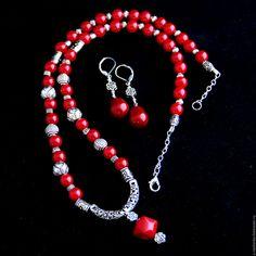 """Купить Комплект украшений """"Coral"""" - ярко-красный, коралл, коралл натуральный, коралл красный"""