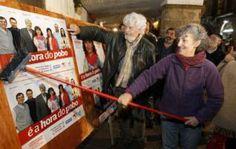 Lindia Senra, con Beiras, abre la campaña en Santiago. / óscar corral