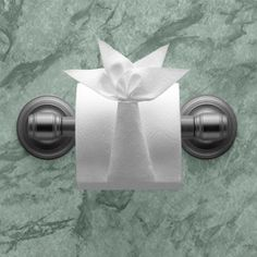 Toilet Paper Origami on a Roll: Decorative Folds and Flourishes for Over-the-Top Hospitality Toilet Paper Origami, Towel Origami, Toilet Paper Roll Crafts, Napkin Origami, Paper Napkin Folding, Paper Napkins, Origami Folding, Toilet Paper Flowers, Paper Oragami