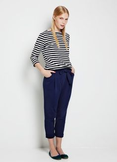 carrot pants and a stripy t-shirt. Blue Trousers, Trousers Women, Fasion, Fashion Outfits, Sailor Fashion, Basic Outfits, Work Outfits, Marimekko, 1950s Fashion