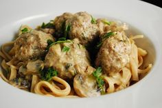 Low Calorie Swedish Meatballs - 5 Points & Points+.  This is real comfort food and the seasoning is perfect!  Salt & pepper to taste if desired (suggest 1/4 tsp each).  Served with Ronzoni Healthy Harvest 100% Whole Grain Extra Wide Noodles (3 points per serving) and steamed fresh green beans.  Great WW meal when craving beef!