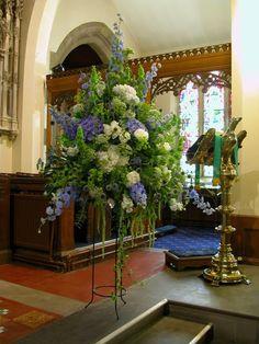 Wedding flower stand - pretty impressive...  #GabrielCo #MyPerfectWedding