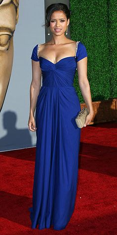 GUGU MBATHA-RAW The British-born Larry Crowne star looks appropriately regal in a royal blue Reem Acra dress. Celebrity Red Carpet, Celebrity Style, Celebrity Dresses, Hollywood Red Carpet, Hollywood Life, Oscar Dresses, Beautiful Gowns, Gorgeous Dress, Dress And Heels