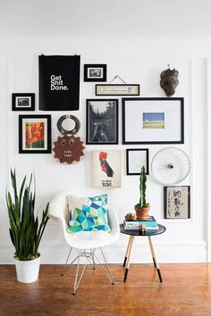 Learn how to create a gallery wall using art and objects. Items in your gallery wall can be 3D, they don't have to all be art in frames. Domino teaches you how to use objects in your gallery wall.
