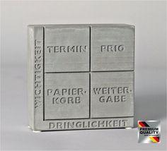 Tolle Bürodekoration, Geschenk für Kollegen: ''DIE EISENHOWER-MATRIX'', Beton, Skulptur