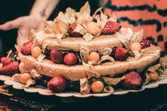 Naked Cake de massa de pão de ló e recheio de nutella. Foto: Alice Venturi Nossos bolos feitos com amor e carinho para você! Orçamentos e encomendas: queroacucarbolos@gmail.com e pelo celular e whatsapp (21) 98056-6621