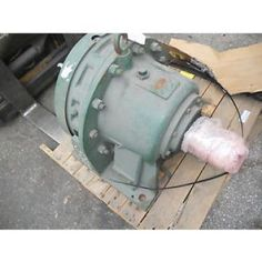 "Sumitomo SM-Cyclo CNHM084097YB11 3//4 hp 3ph  11:1 ratio 1-1//8/"" output 159 rpm"