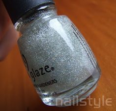 OK, this pin doesn't show you the true magic of China Glaze Fairy Dust - but let me tell you this is a STAPLE you have to have. It turns any color nail polish into pure MAGIC. <3